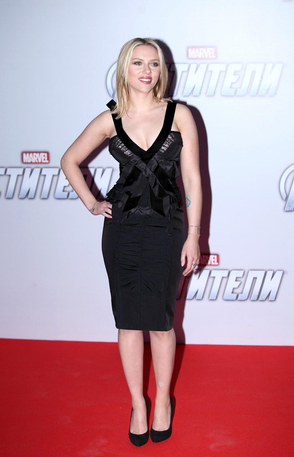 http://3.bp.blogspot.com/-C6Lf7RS2qRE/T4_dHWrrWEI/AAAAAAAABAc/-aTf5jumQt0/s1600/Scarlett_Johansson_The_Avengers_premiere_Moscow_2012_03.jpg