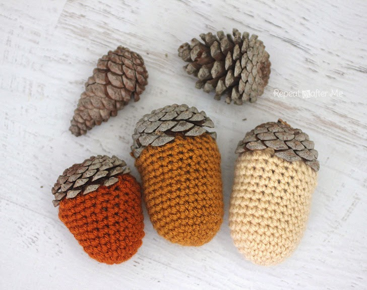 Pine Cone Knitting Pattern : Repeat Crafter Me: Crochet Acorn Pine Cones