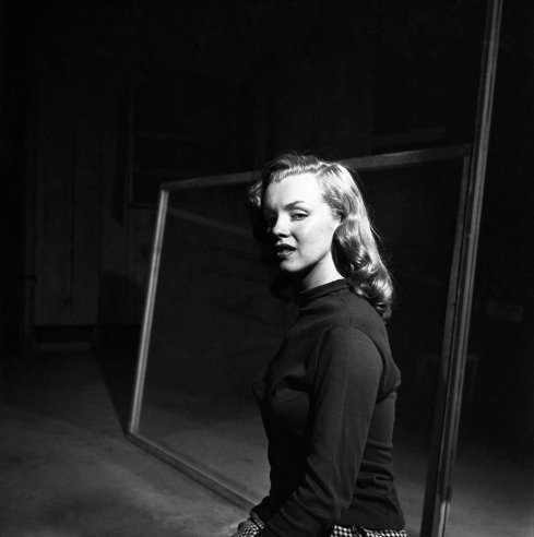 Photography assign life best black and white early photos of marilyn monroe