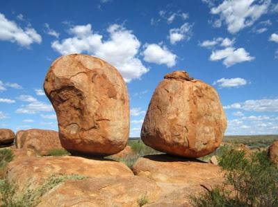 Fenomena Alami Keseimbangan Batu