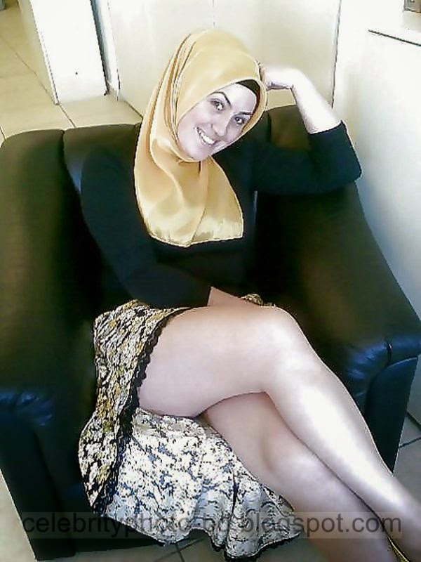 Sexy Iranian Hijab Muslim Girls shows Legs Photos In Tight ...