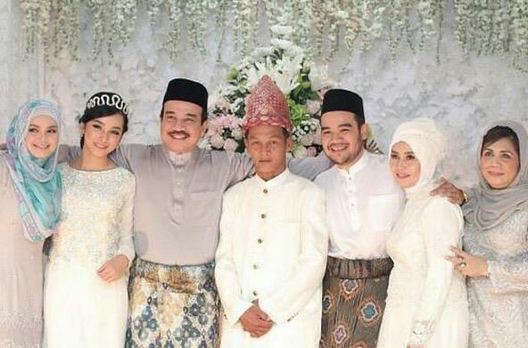 Cantiknya Tunang Anak Tiri Siti Nurhaliza
