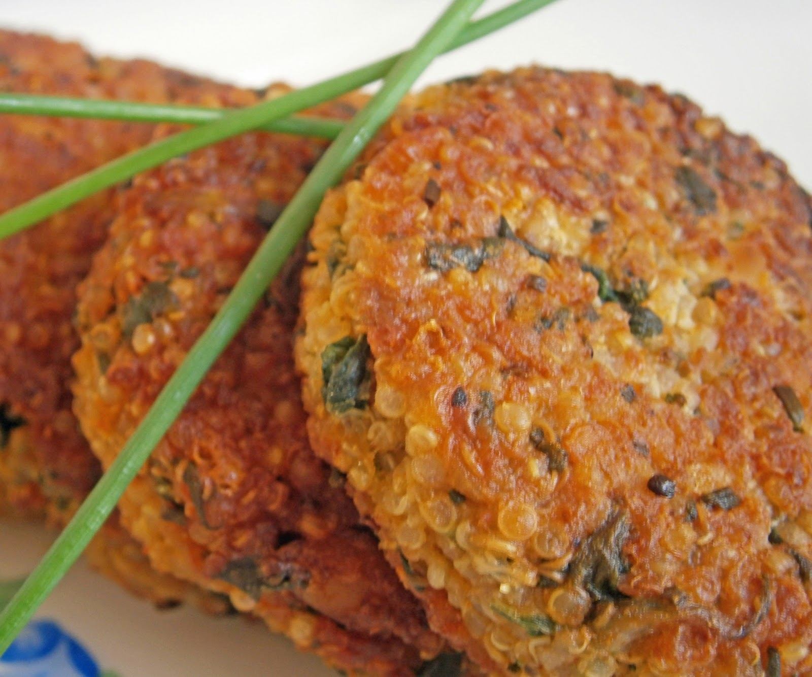 quinoa pudding cakes nutty quinoa cakes with basil and parmesan quinoa ...