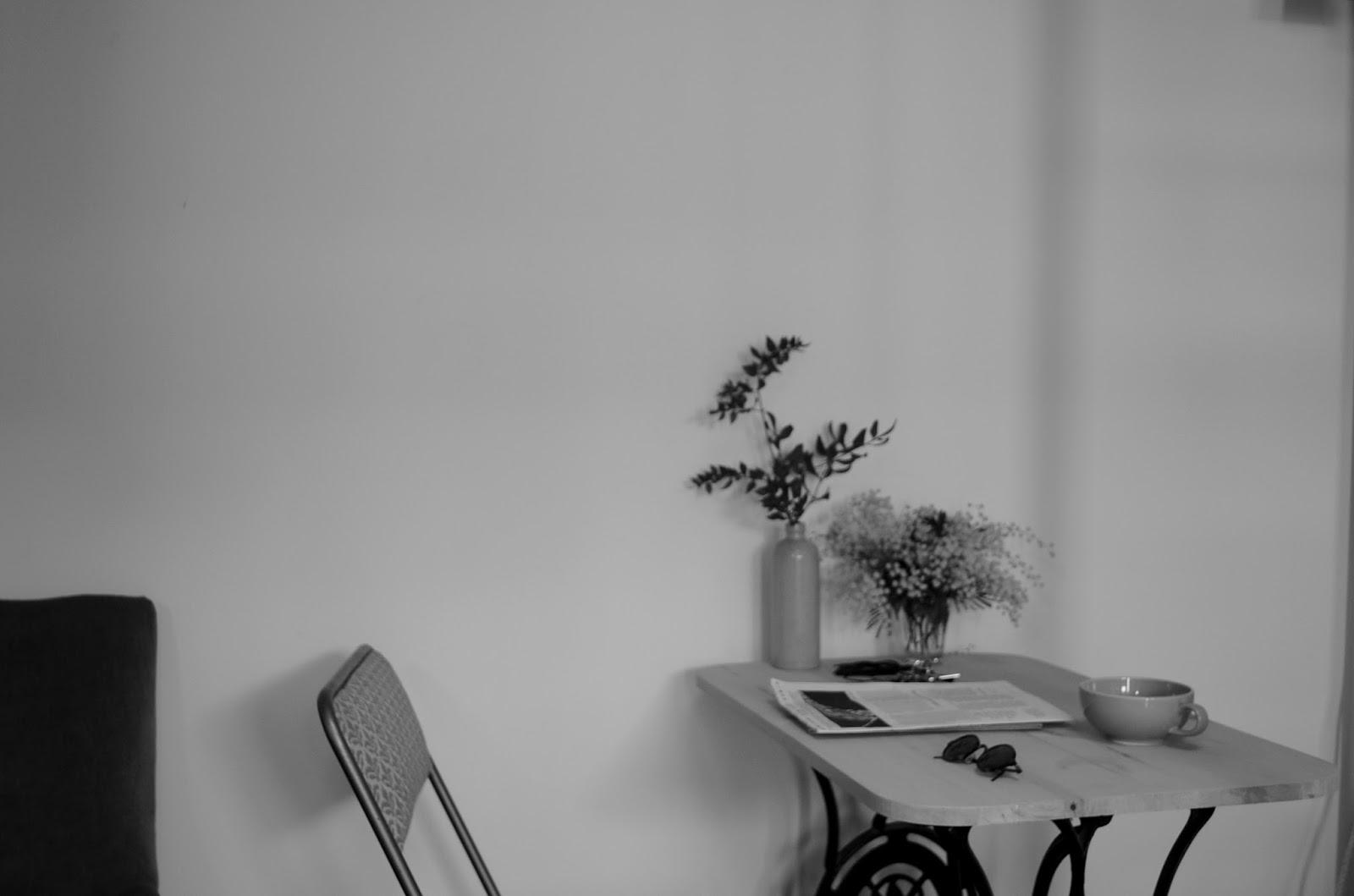cocon spring time. Black Bedroom Furniture Sets. Home Design Ideas