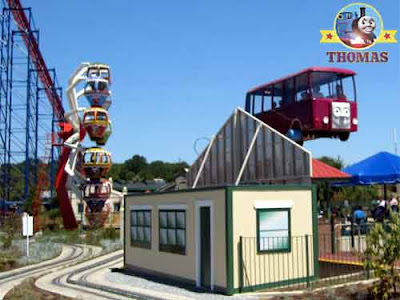 Bertie the bus takes kids on a memorable journey travel round Thomas town six flag adventure kingdom