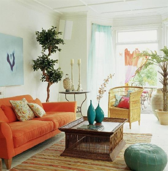 Decorating The Walls With Carved Flower Produces The Impression Of A More  Beautiful And Attractive In A Romantic Living Room Interior Inspiration.