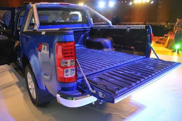 Chevrolet Colorado LTZ giá 729 triệu đồng tại Việt Nam
