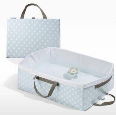 Prodotti per bambini: vaschetta bagnetto salvaspazio