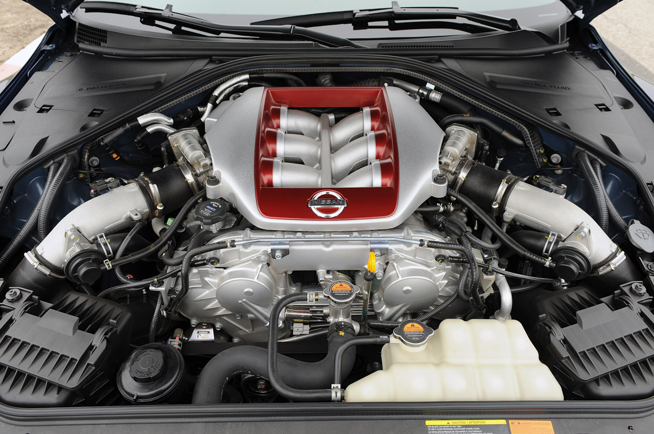 2012 NISSAN GT-R ENGINE DESIGN
