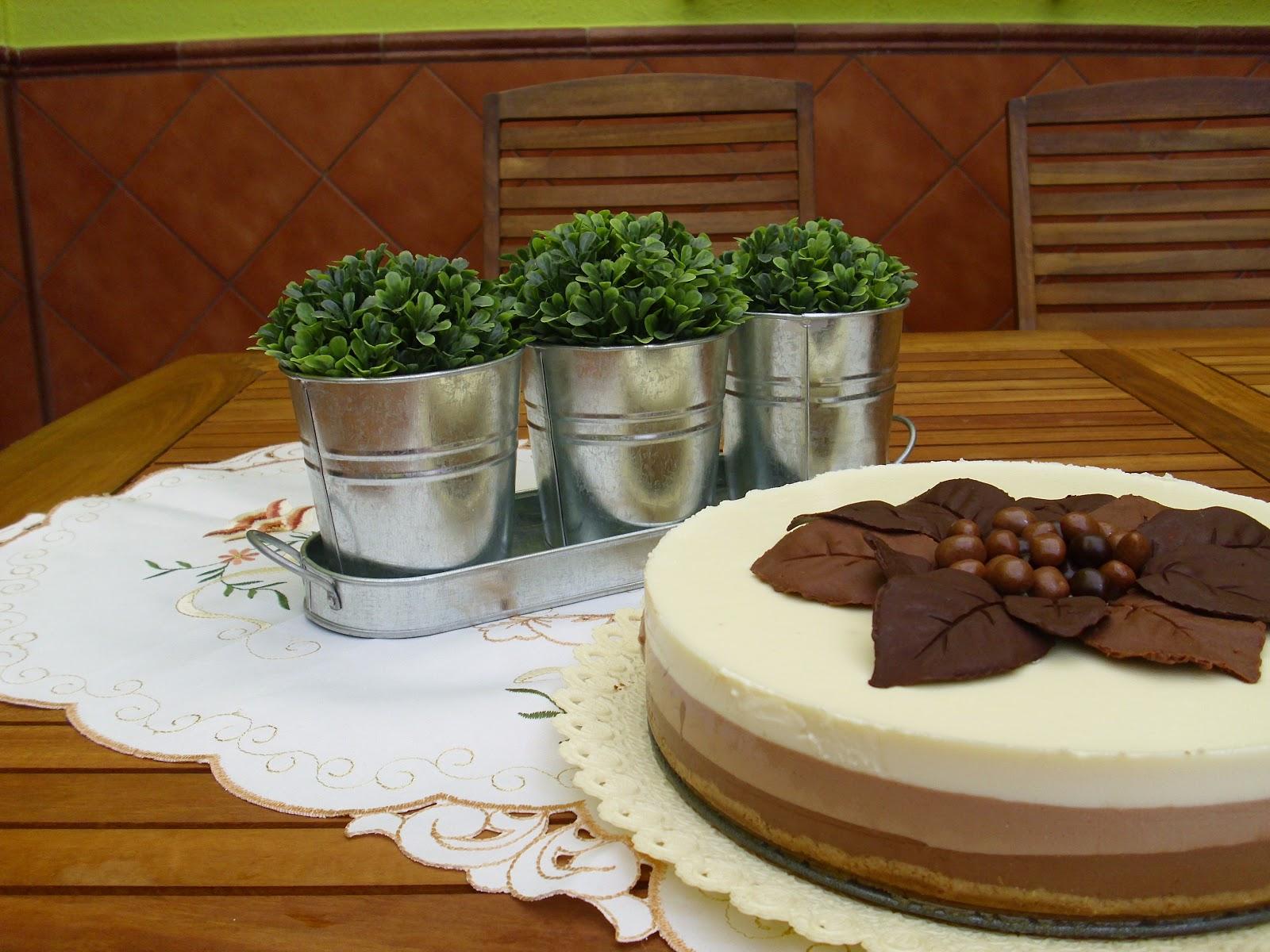 Pensando en algo dulce tarta tres chocolates - Decoracion con chocolate ...