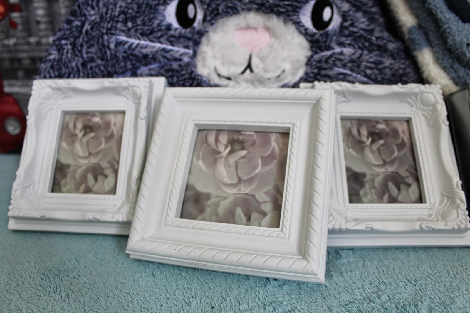 19th Birthday Haul White Photoframes