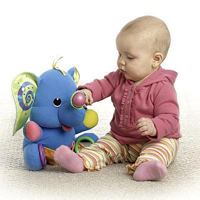 1 Yaşından Küçük Bebekler için Oyuncakların Önemi 64