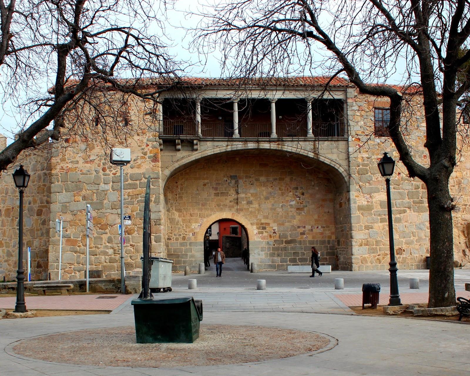 Puerta de la Catedral en Ávila