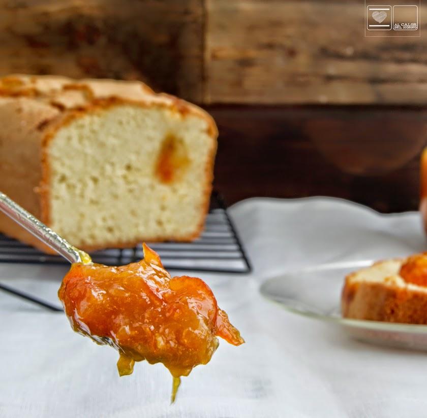 Bizcocho con mermelada de naranja