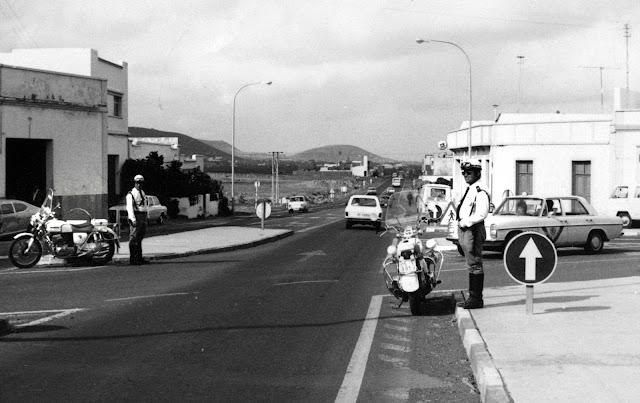 Cruce de Sardina en el municipio de Santa Lucía de Tirajana. Gran Canaria. Posiblemente entre los años 1970-1975.