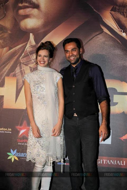 abhay deol kalki koechlin - (3) - IIFA Red Carpet Pics 2012