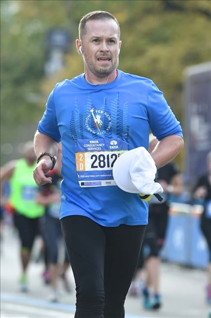2015 New York Marathon runner