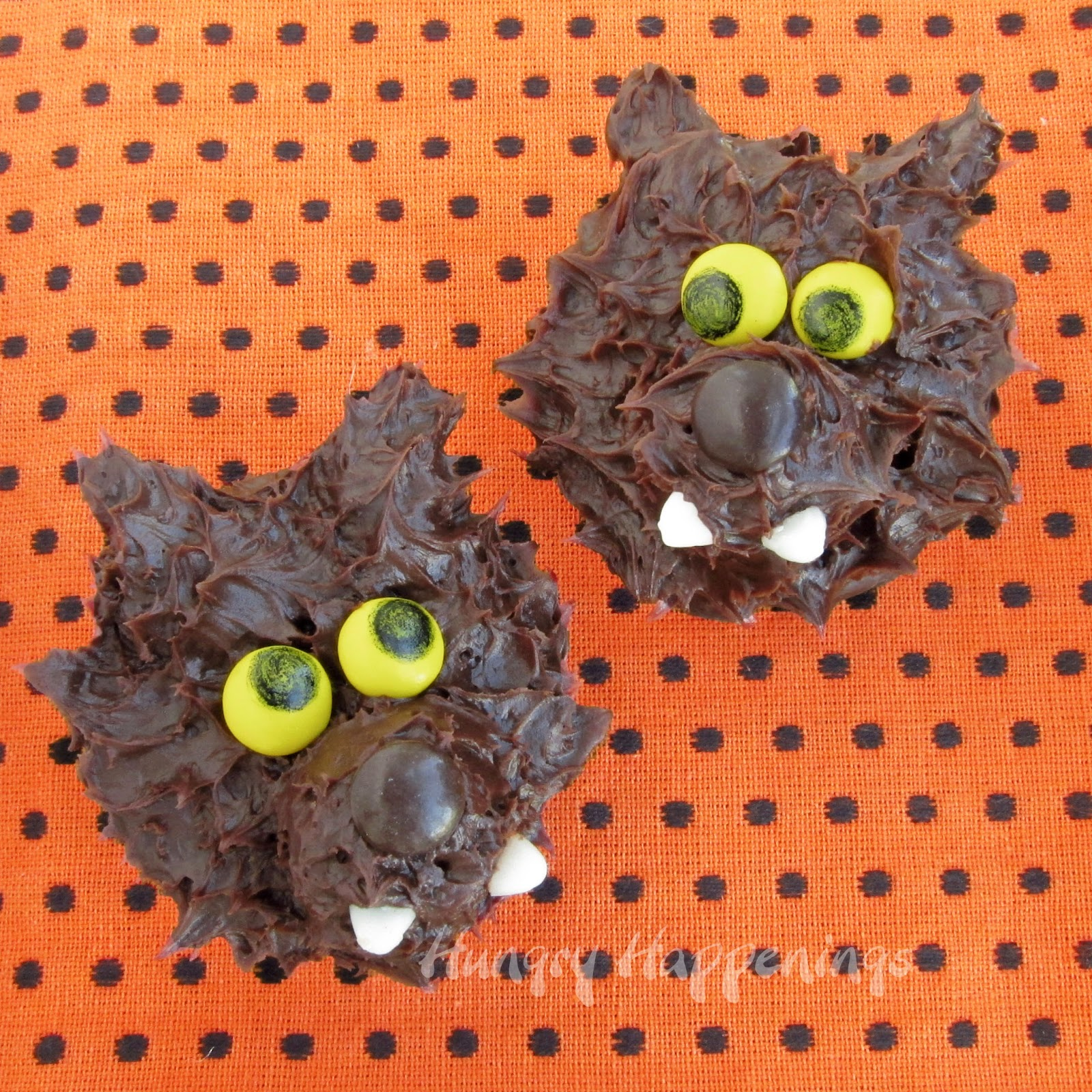 werewolf snack cakes for halloween- hungry happenings