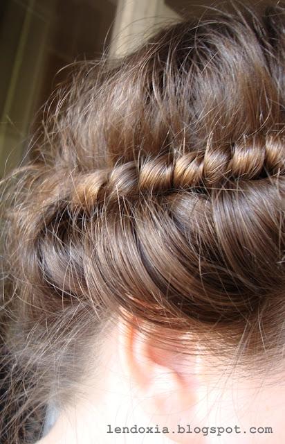 kovrcanje kose elasticnom trakom