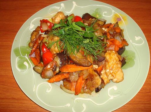 Баклажаны с овощами