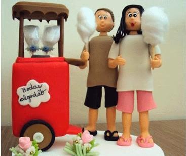 topo de bolo dos 2 anos de casamento com tema de algodão