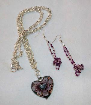 Collar pendiente corazón de colores y aretes de plata 950  Cod 2457-1  S/ 45.00 Nuevos soles