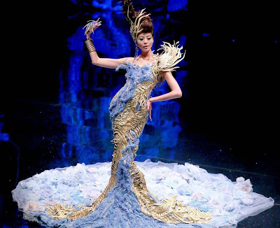 Chinese designer Guo Pei showing in Singapore