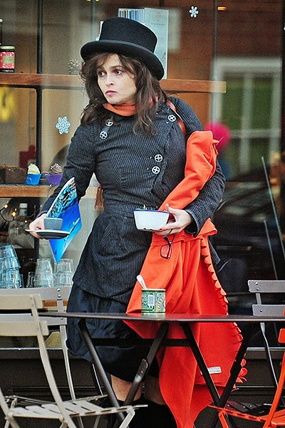 Street Style of Helena Bonham Carter: The emphasis on accessories
