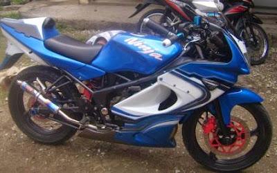 Motor Expose: Modifikasi Ninja 150 RR Airbrush