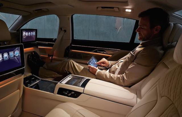 フルモデルチェンジ BMW 7シリーズ 内装 後部座席