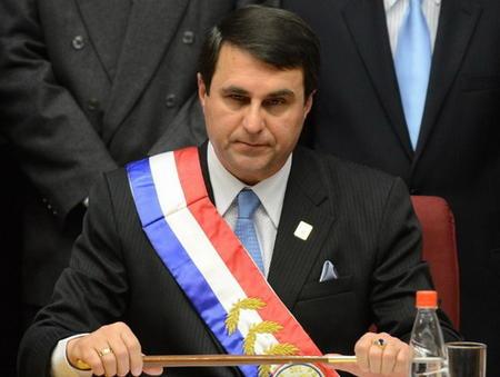 Cuestionan cambio de presidente en Paraguay