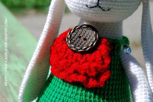 Заяц в платье, связанный крючком - Белая крольчиха - Ручная работа