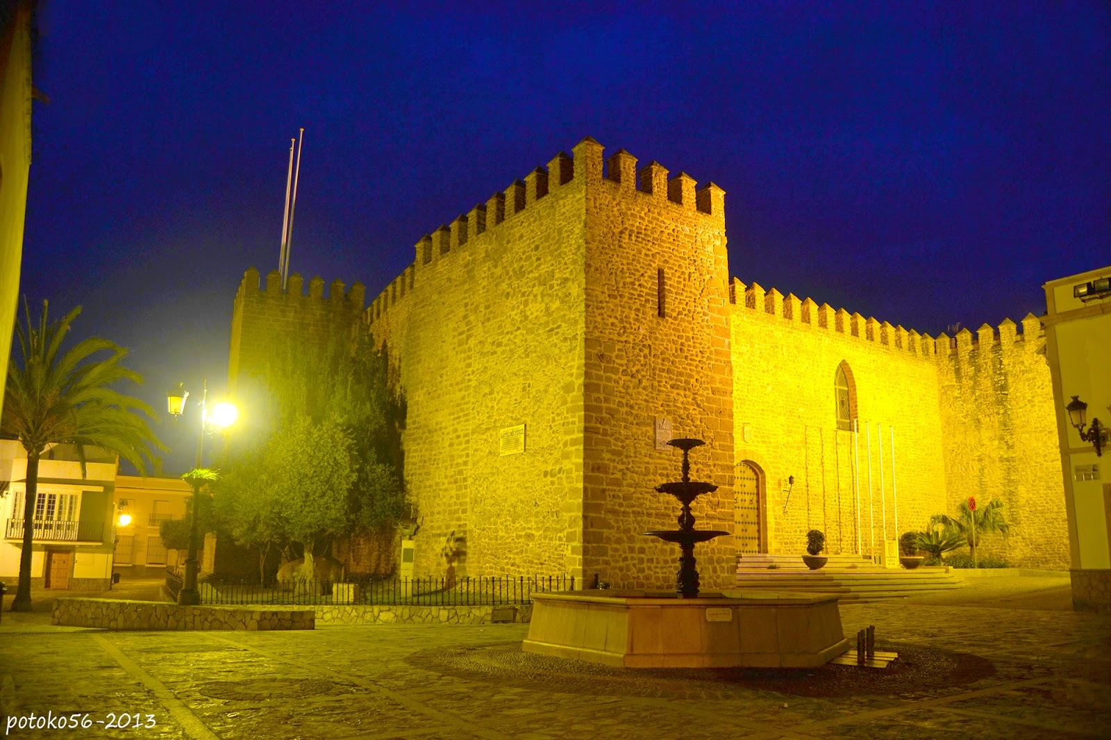 Plazoleta del Padre Eugenio y Castillo de Luna