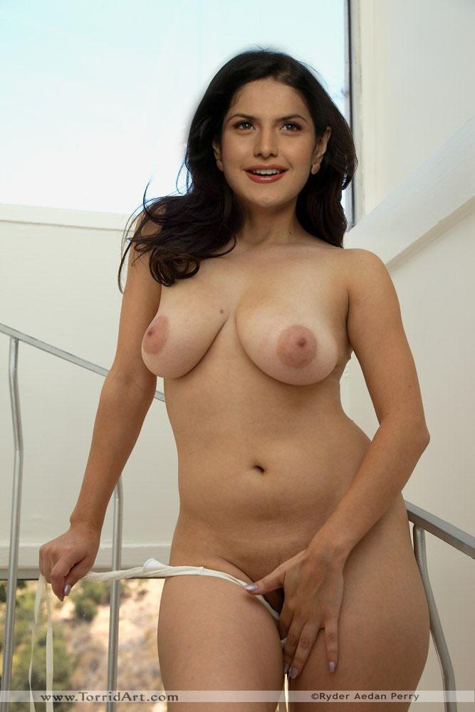xxx zarin nude image