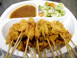 ไก่สะเต๊ะ_Thai style grilled chicken satay_ガイサテ
