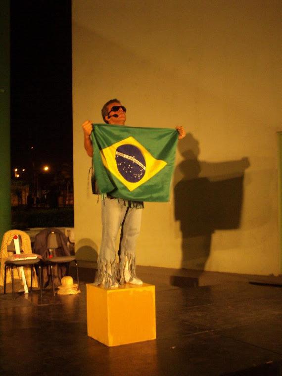 Encenação de O PROTESTO DE UM BRASILEIRO (IN) FELIZ