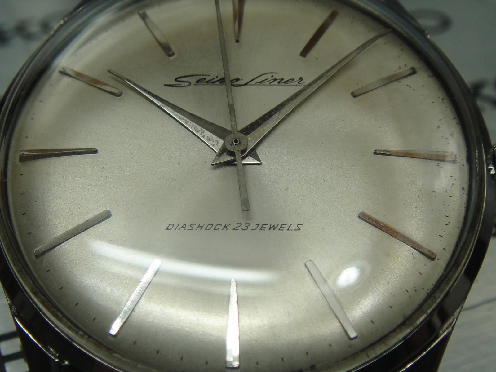 Antique Watch Bar Seiko Liner Diashock 03 Sold