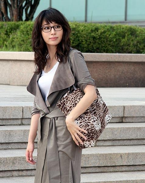 profil biodata pemain dating agency cyrano Yoon-woo juga ambil bagian dalam drama komedi romantis dating agency: cyrano bersama lee profil dan foto pemain drama korea parting left (2018) profil, biodata.