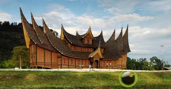6. Objek Wisata Istana Pagaruyung Di Sumatera Barat