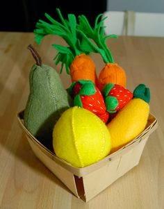 frutas e legumes feitos de tecido