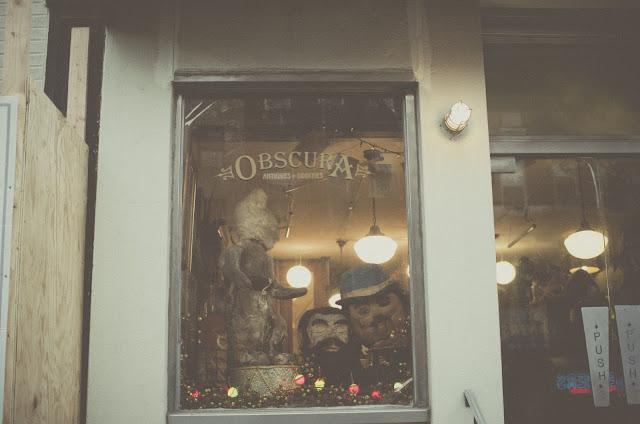Obscura, Oddities, New York, lettering,