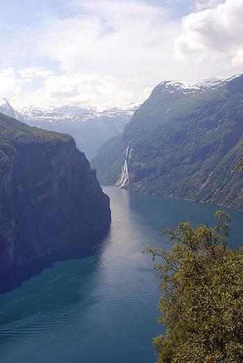Laut Fjord