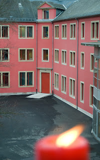 http://amnesty-luxembourg-photos.blogspot.com/2008/12/alllumez-la-flamme.html