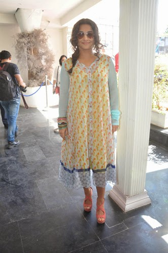 Vidya Balan Promotes Shaadi Ke Side Effects Movie
