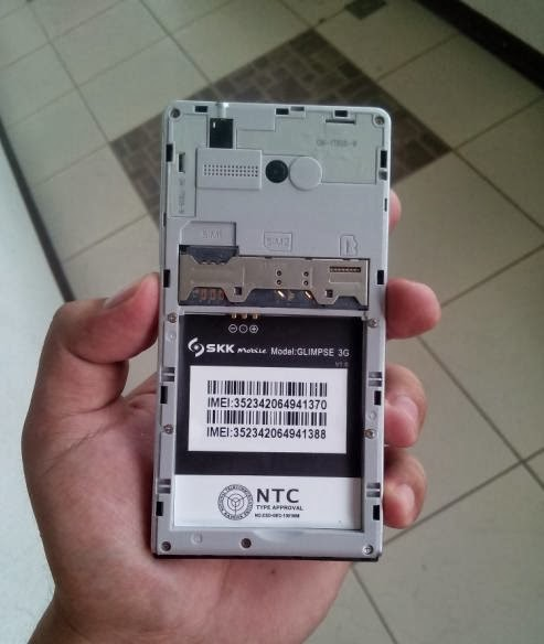 SKK Mobile Glimpse 3G Micro SD and SIM card slots