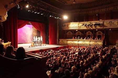 La mirada de un lector cuestionario sobre los textos for Teatro principal valencia