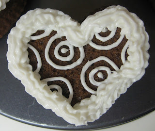 Valentine's Day Heart Shaped Mini Cookie Cakes - Close-Up View of Circle Pattern Cake