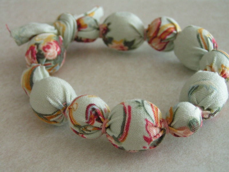 ACCESSORIES: DIY Fabric Knotted Bead Necklaces