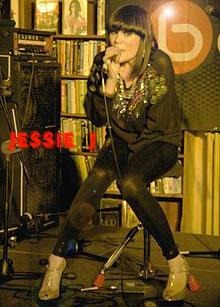 [Foto] Profil Jessie J (Price Tag)