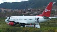 Cusco: Avión de Peruvian Airlines se despistó por fallas mecánicas Un neumático del lado derecho po